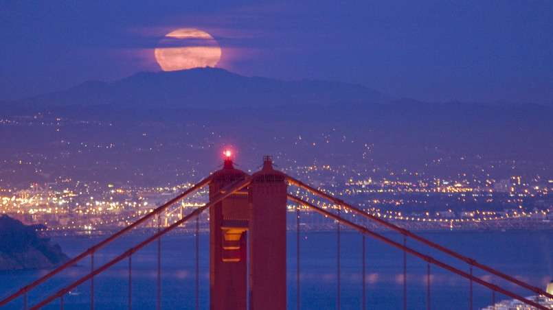 moon rise over the golden gate